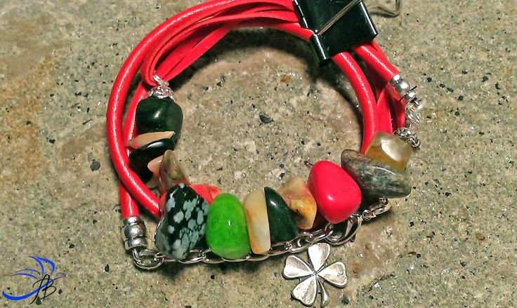 Bracelet with leather and gemstones