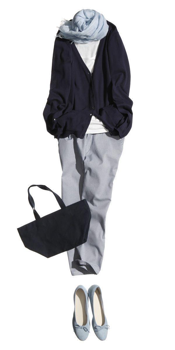 ストールと靴の色をそろえて シンプルな着こなしに楽しいアクセント