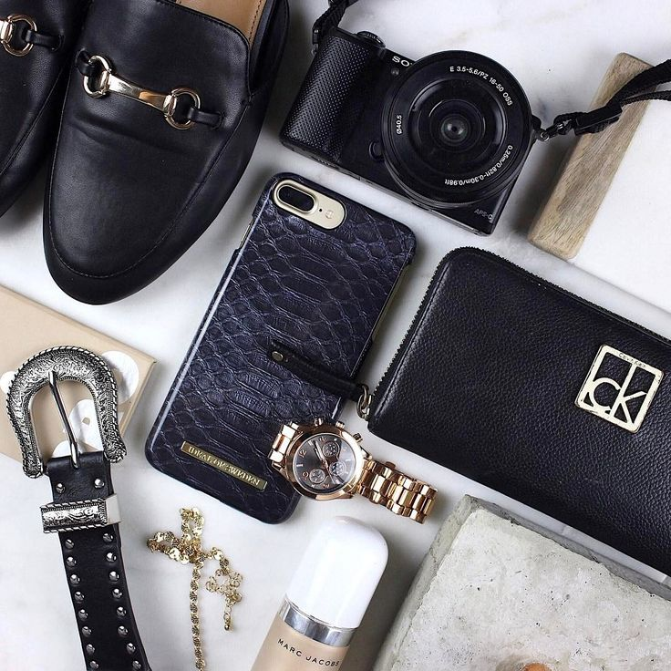iDeal Of Sweden Fashion Case 'Black Reptile' pic by: @darbywhiting #iphone #black #details #phonecase #idealofsweden