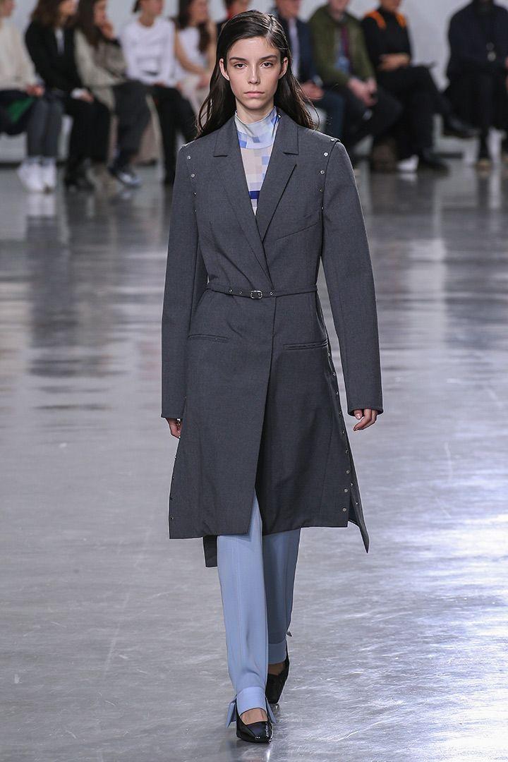 Paco Rabanne Paris Fashion Week 2017-2018- http://stylelovely.com/galeria/paco-rabanne-paris-fashion-week-fw17-18/