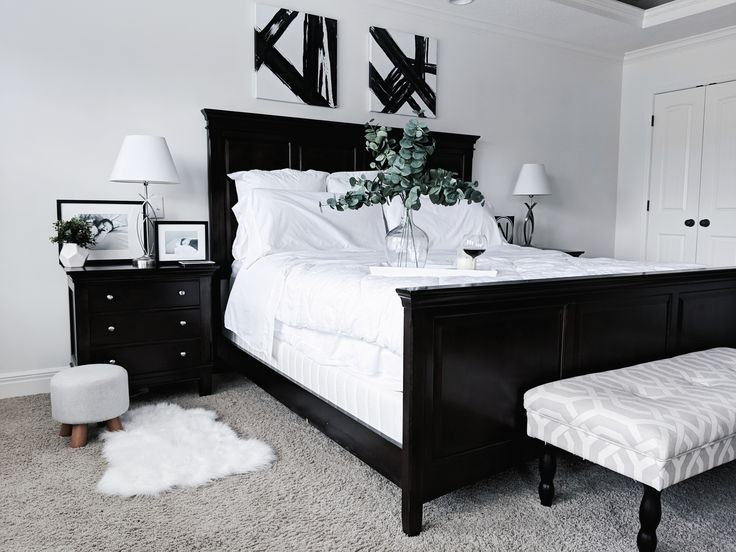 Black And White Master Bedroom Ideas Inspiration For A Monochrome Master Bedroom With Classic Black And White Master Bedroom White Wall Bedroom Classy Bedroom