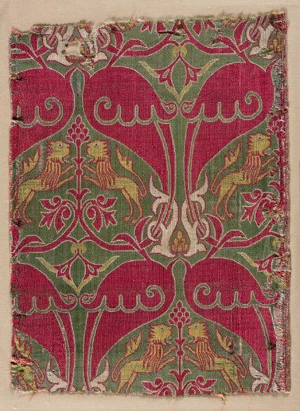 Silk lampas weave fragment, Spain, Mudejar, 15th c.: