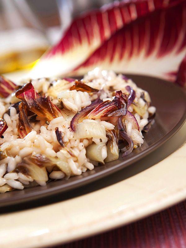 Per un Risotto al radicchio trevigiano doc potete pure evitare di prenotare un ristorante a Treviso. Ve lo consegniamo noi a domicilio, con questa ricetta!