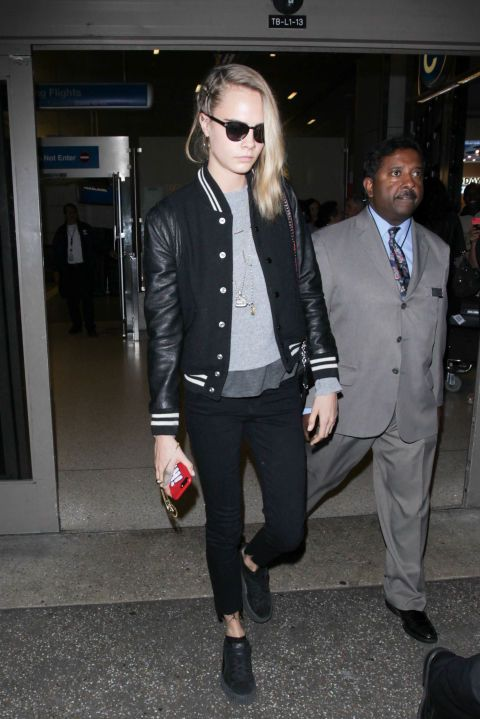 Cara Delevingne keeps it casual while out in Los Angeles on November 12, 2016.