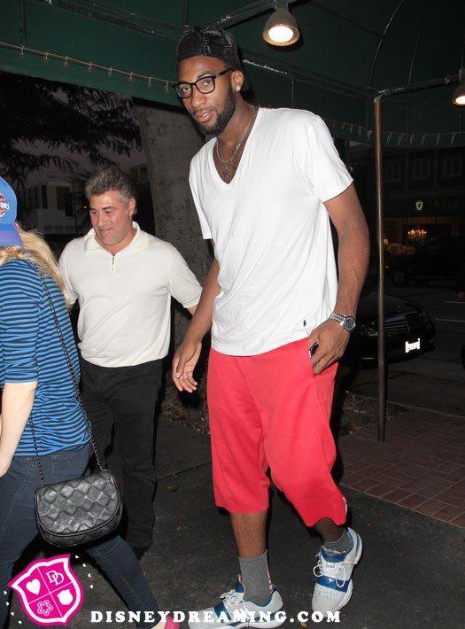 Icarly star dating basketball