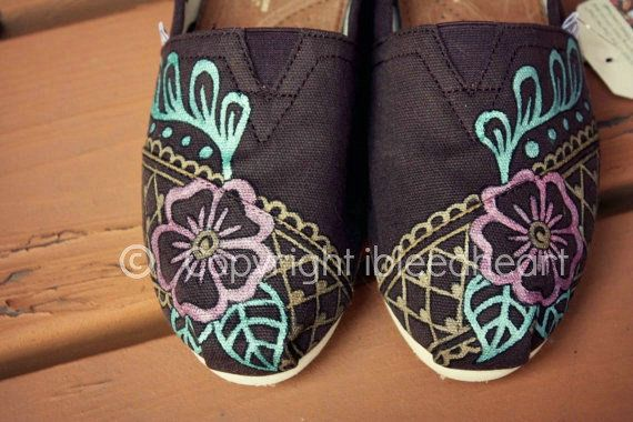 TOMS Burlap Trim Womens Tribal Boots