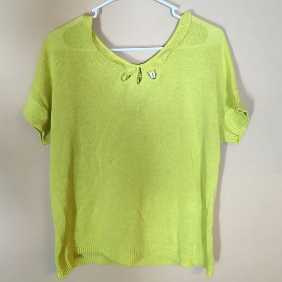 Anthropologie Moth Lime Green Short Sleeve Top M Beautiful details, half linen and cotton, hand wash cold. No stains rips or tears. Medium. Anthropologie Tops Tees - Short Sleeve