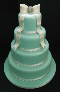 If I ever have a real wedding this will be my cake and color