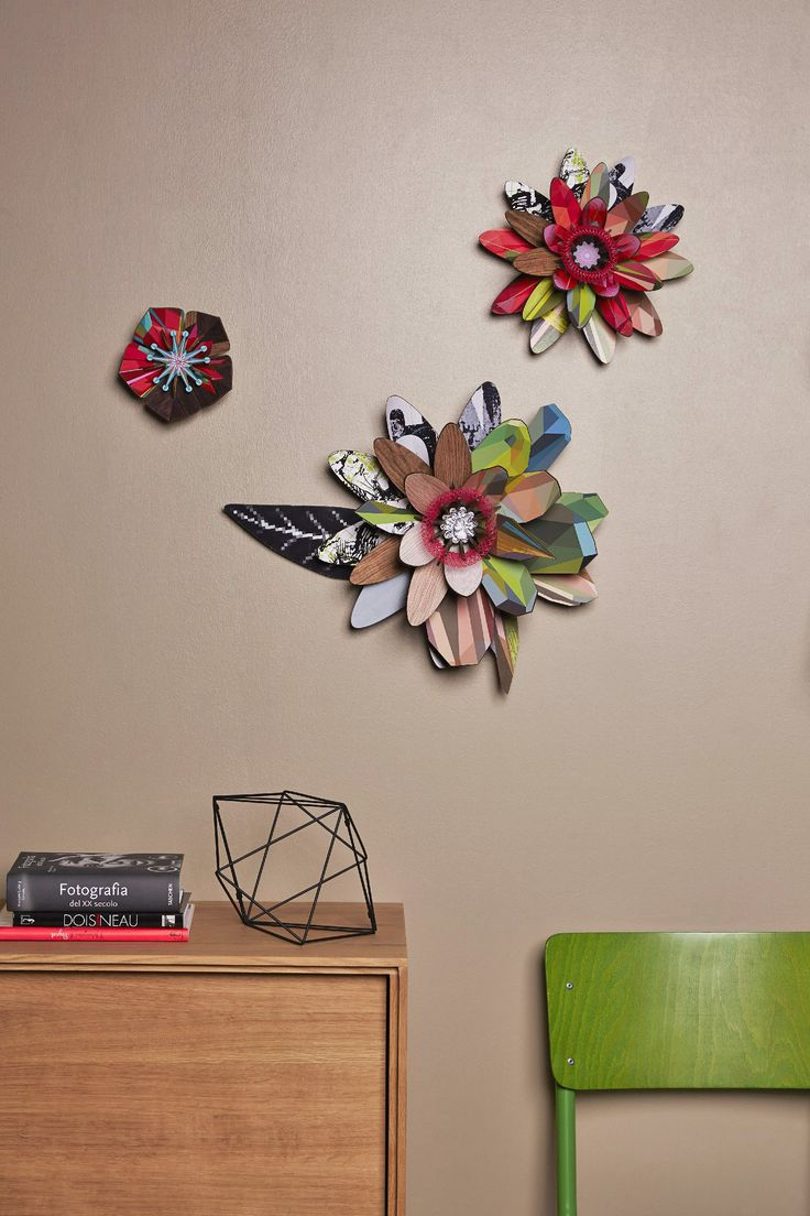 Modular decorative flowers: shapes and colors of great effect for Miho Unexpected Things floral range