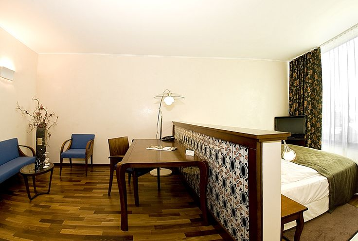 Double Deluxe Room - CITY Plaza Hotel