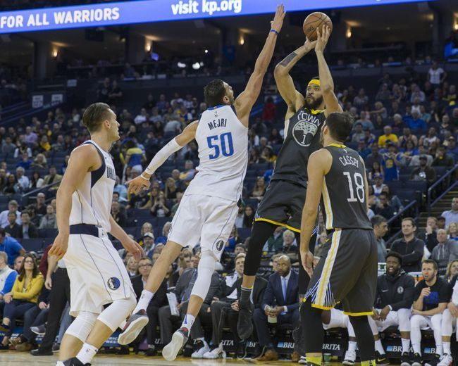 Oakland Calif. 2/18/18 Dubs rebounded in Thursday's 121-103 win over Mavs. #KevinDurant led with 24 points, 9 boards. #StephenCurry followed with 20 points, 8 assists, 7 rebounds. #KlayThompson celebrated his 28th birthday with 18 points, 4 assists, 5 rebounds. Coincidentally, Kevon Looney turned 22 on Tuesday and #ZazaPachulia will celebrate his 34th birthday Saturday. PHOTO CREDIT SFGATE MERCURY NEWS USA Today