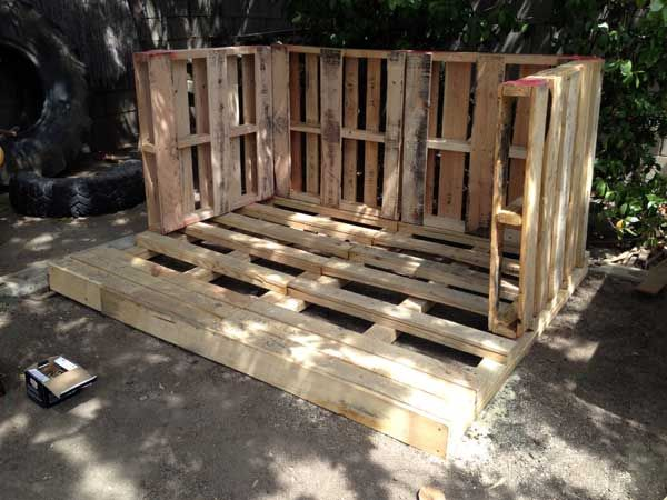 pallet walls How We Built Our Pallet Playhouse