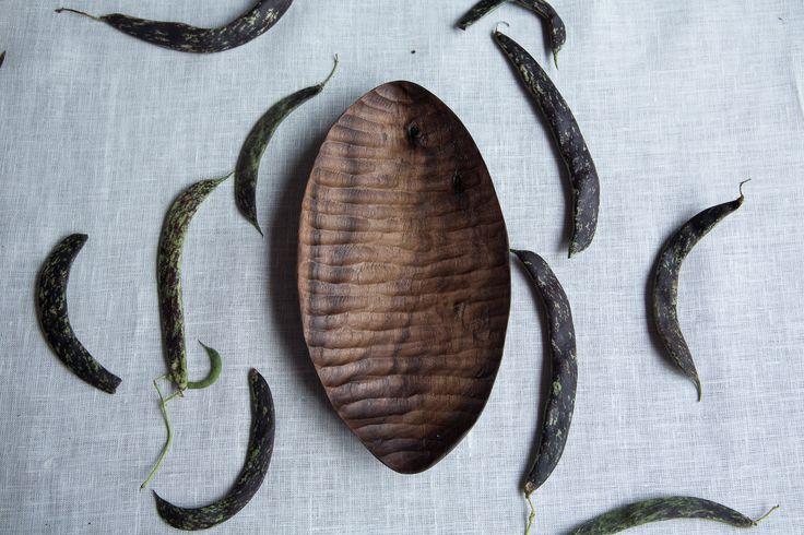 Лодочка из ореха №1. Американский орех, льняное масло, натуральная восковая мастика
