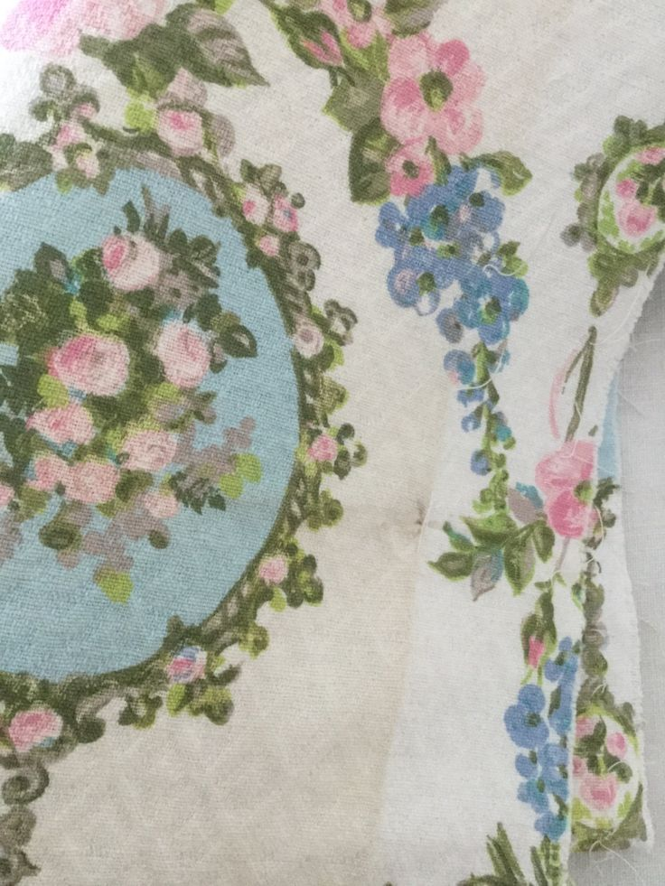 2 French Vintage fabric coupon, blue sky and pink fabric with roses flowers on thick Canvas, Home fabric deco de la boutique VintagedeFrance sur Etsy