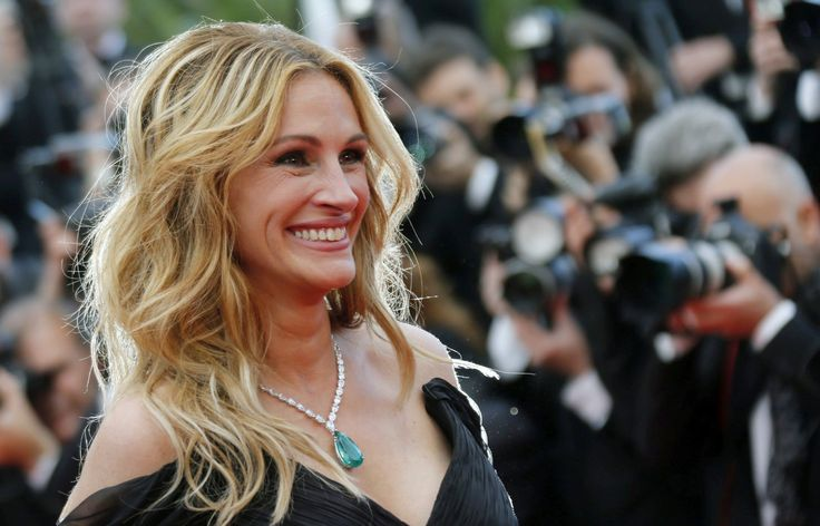 Julia Roberts strikes two-season Amazon TV deal with 'Homecoming'