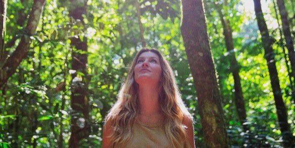 """Gisele fala sobre reserva mineral da Floresta Amazônica: """"Ela tem um papel fundamental no equilíbrio do clima na Terra e, portanto, na vida de cada um de nós"""" (Foto: Reprodução/Instagram)"""