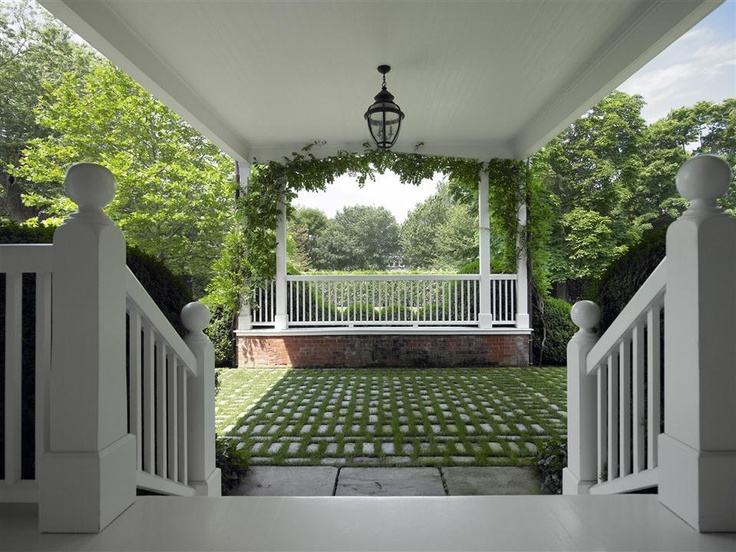 31 best stoop railing images on pinterest banisters for Cottage house plans with porte cochere