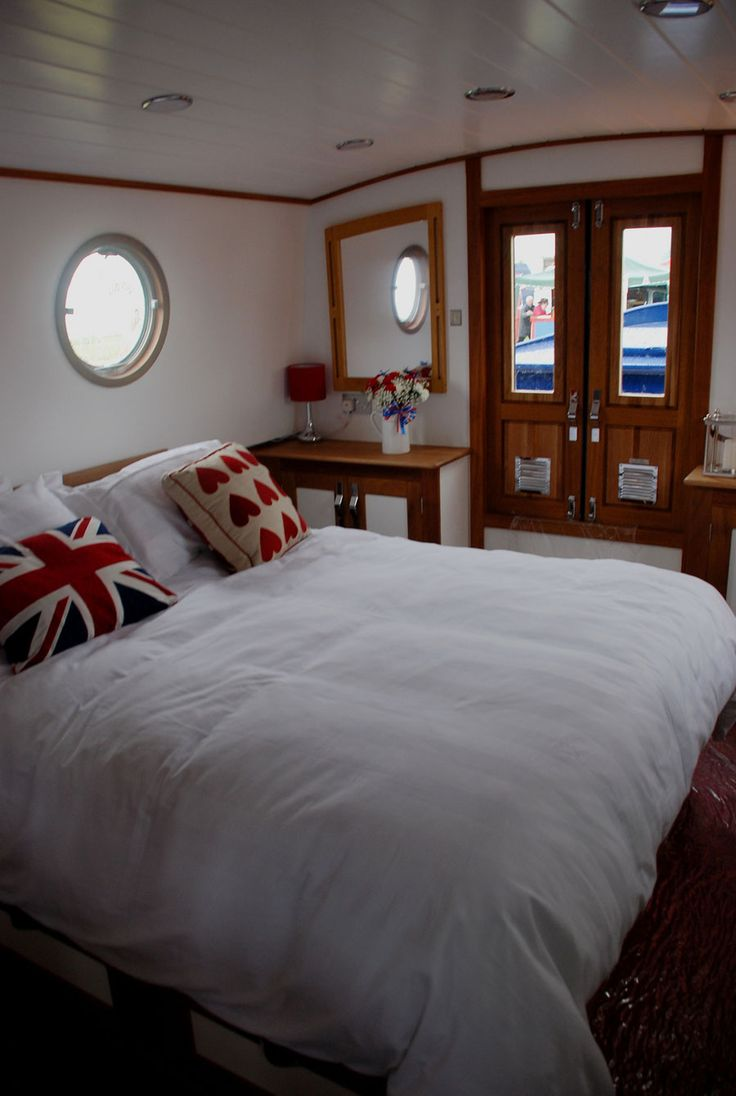 Canal Boat House Interior. Not that I plan to have a boat house, but I like the union flag pillow :)