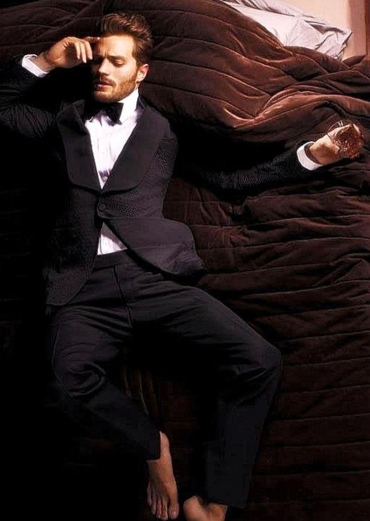Jamie Dornan - bare feet GAH!!!!!!!!!!