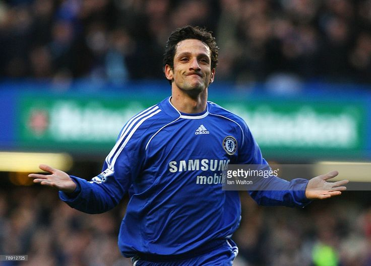 Juliano Belletti of Chelsea celebrates his goal during the Barclays Premier League match between Chelsea and Tottenham Hotspur at Stamford Bridge on January 12, 2008 in London, England.