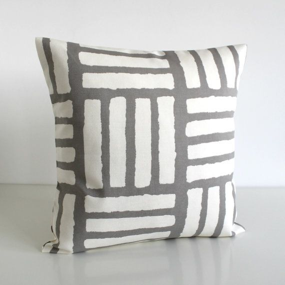 One geometric pillow cover in trend colours of taupe grey and off-white. A modern scandinavian print on a beautiful soft cotton. FABRIC Front - 4 Bars