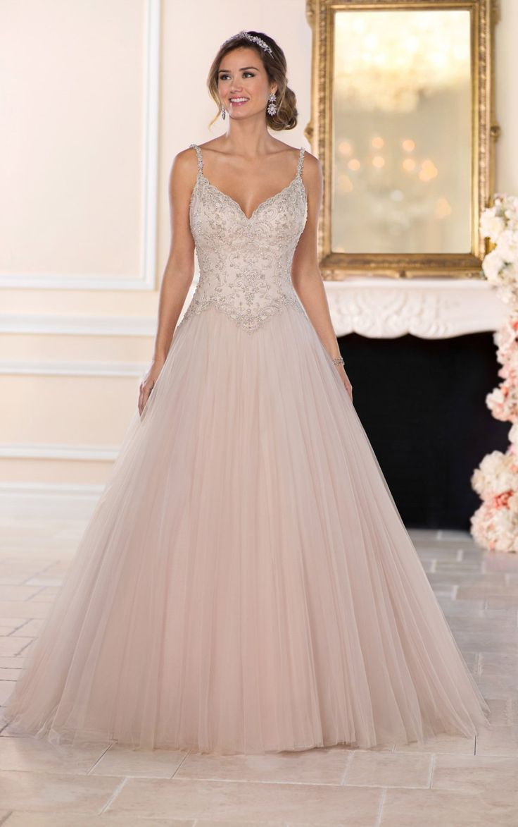 39 best Prinsessen / Ballroom Trouwjurken images on Pinterest