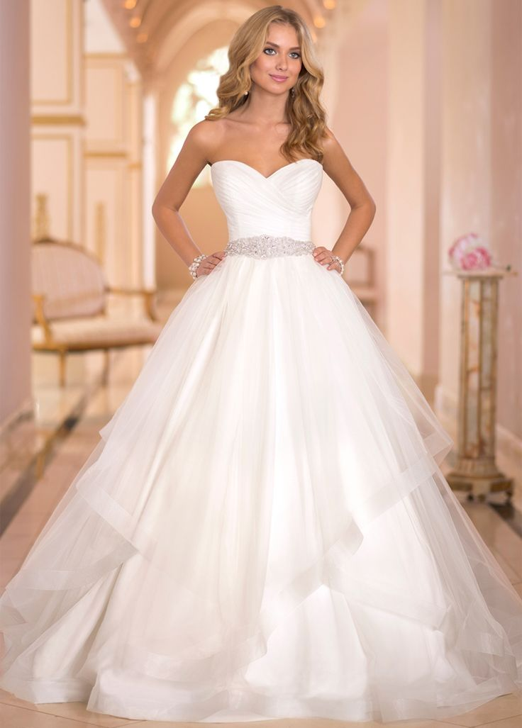 Best 25 Sparkle wedding dresses ideas on Pinterest  Ball gown wedding dresses White ball