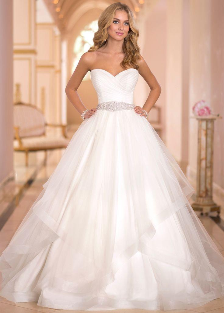 Charming Tulle Sweethart Neckline Natural Waistline Ball Gown Wedding Dress