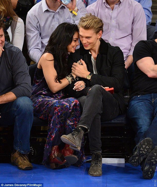 Are austin butler and vanessa hudgens still dating