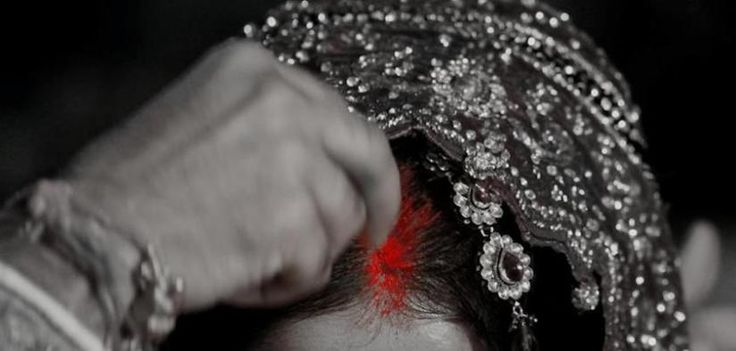 Sindoor or Vermillion is is put for the first time by the groom during the wedding. It indicates that a woman is married. The powder is red in color which symbolizes fertility and regenerative power of women. ---- #indian #wedding #tradition #ritual #blackbook