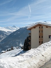 Les Collons Thyon 4 Valleys - 3 Bed Luxury Ski Apartment + Jacuzzi - 50m to lift Vacation Rental in Thyon-Les Collons from @homeaway! #vacation #rental #travel #homeaway
