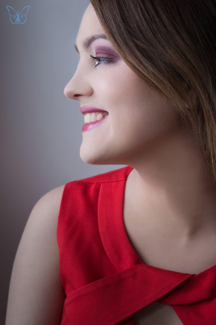 Fotograf, MUA, włosy i stylizacja: Marta Lityńska Modelka: Martyna Twardowska  Polub mnie na Facebooku: https://www.facebook.com/MartaLitynskaMSB  A to mój Instagram: https://instagram.com/martasarablanka