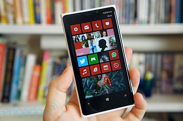 Nokia Lumia 920 review: Windows Phone 8 and (a little bit of) camera magic -- Engadget