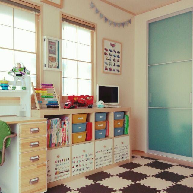 miyuさんの、机,IKEA,子供部屋,和室,おもちゃ,ガーランド,ジョイントマット,プレイマット,こどもと暮らす。,スクエアボックス,のお部屋写真