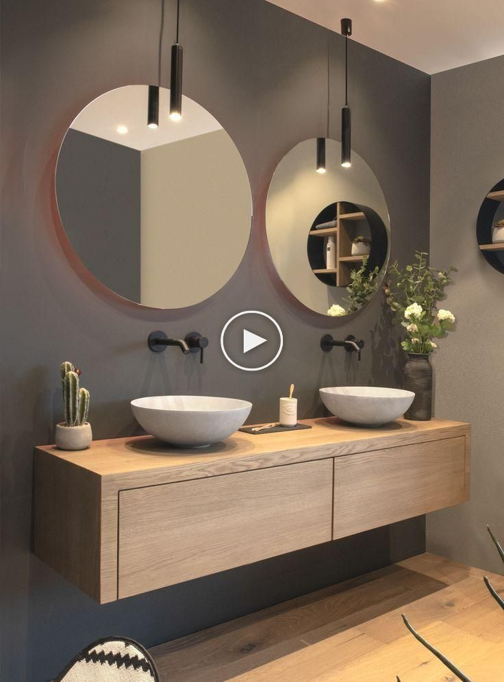 salle de bain moderne avec vanité flottante et deux lavabos ...