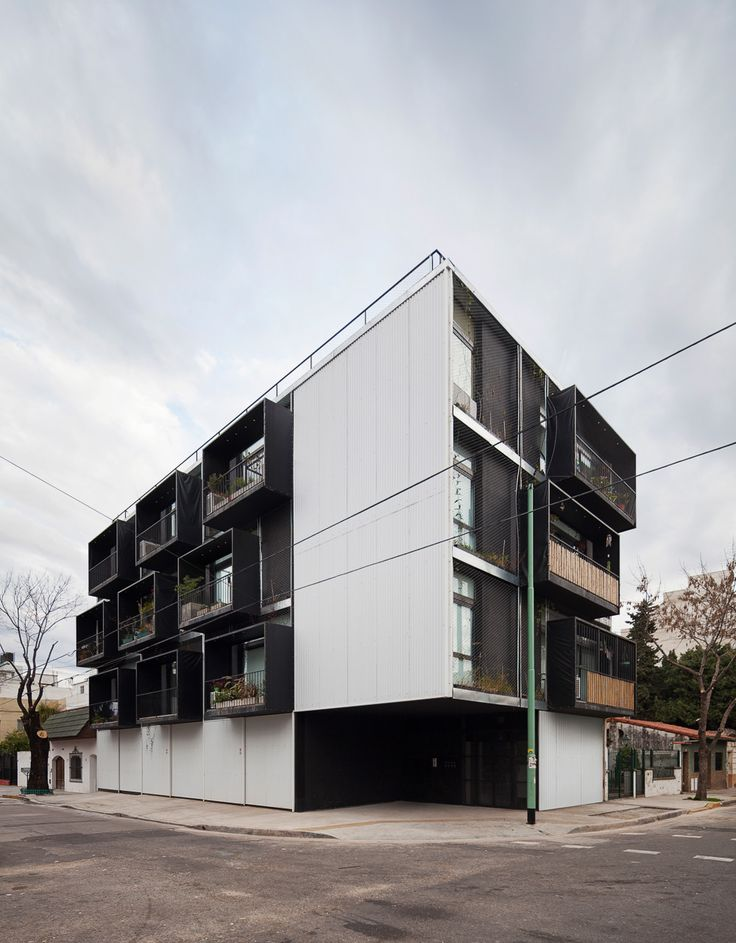 Built by IR arquitectura in Buenos Aires, Argentina with date 2013. Images by Federico Cairoli . Quintana 4598, at the corner of Calle Arias, is a building of 12 functional units. The structure is modular, easily i...
