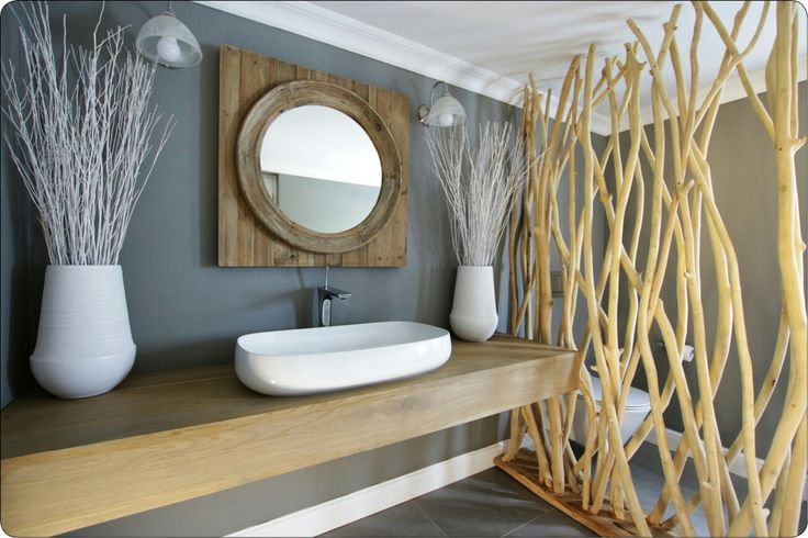Modern bathroom, nature bathroom, wood bathroom, guest bathroom design, modern bathroom design, white wood and grey bathroom design, natural wood