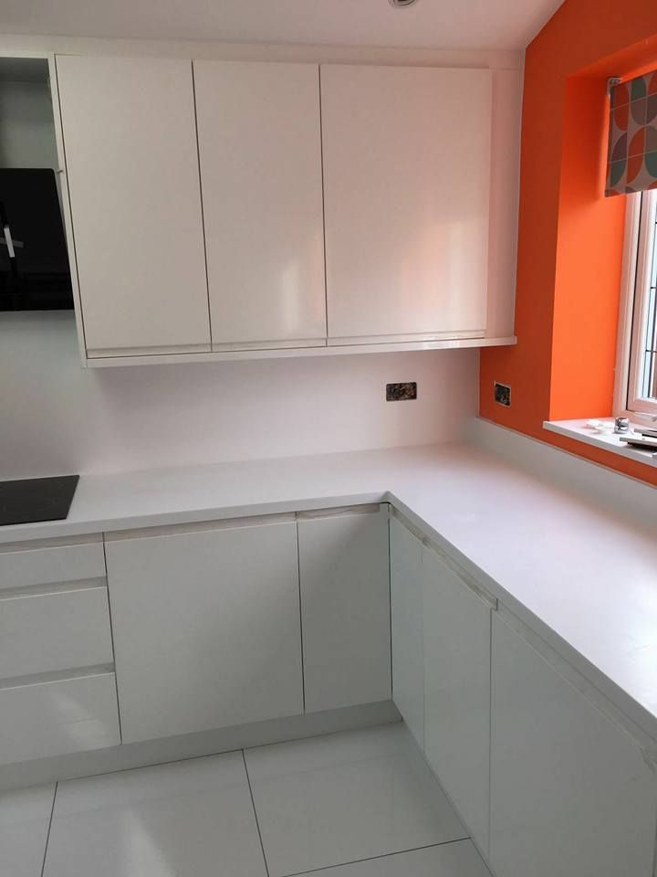Strada White with Hanex worktops 1.2