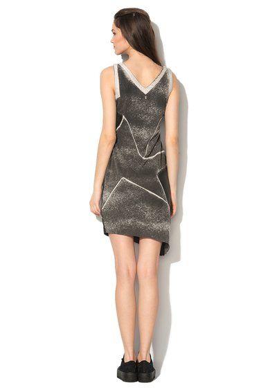 Šaty s výstřihem do V Skorn od Diesel a mnoho dalších podobných produktů na Fashion Days