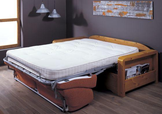 #Divano letto trasformabile in legno di pino, disponibile in 3 dimensioni per ogni esigenza di spazio. Produzione mobili Demar Mobili. #divani #salotti #mobili #arredamenti www.demarmobili.it