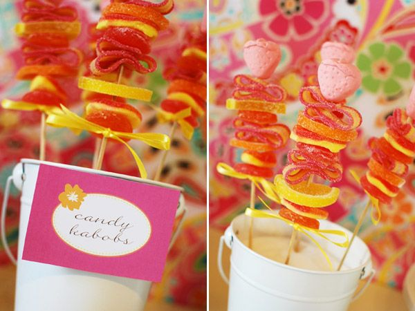 must try these candy kabobs at my next kids birthday party, so much fun!