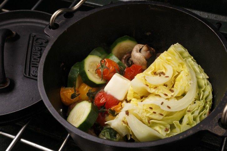 野菜のダッチオーブン蒸し