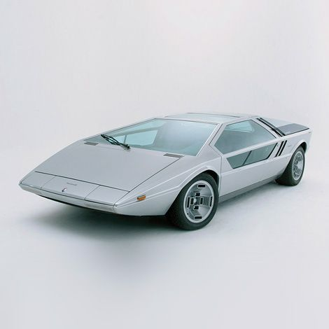 Maserati Boomerang concept car designed by Giorgetto Giugiaro. Revealed as a non-functional model at the 1971 Turin Auto Show, and as a fully functional vehicle (the only one ever built) at the 1972 Geneva Auto Show