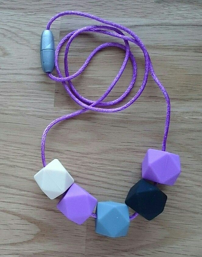 Agnes M.  Cube Chewbeads 15€ from: Purukoru@gmail.com