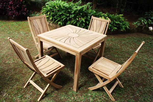 Radiant Dining Set. Make your outdoor dining more comfortable and exiting with Radiant Dining Table and Radiant Folding Chair. Visit www.segoromas.com for more information. #furniture #outdoor #teakfurniture #teakwood #diningtable #dining