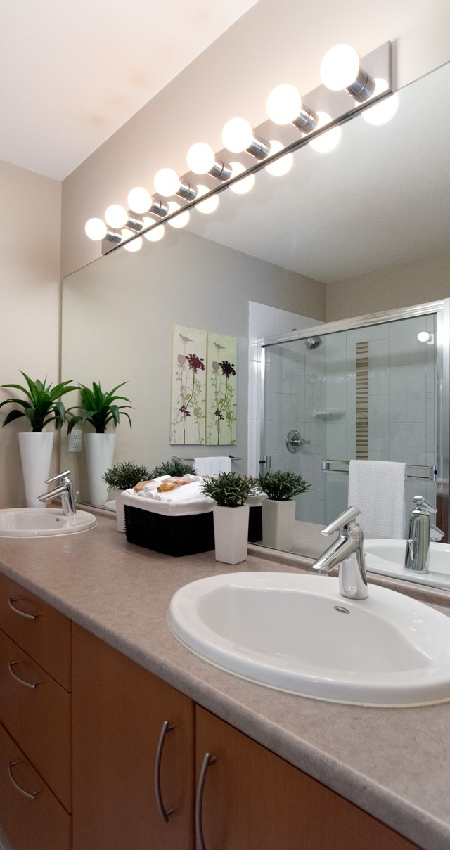 33 best bathroom stafing images on pinterest bathroom for Best bathrooms on the road