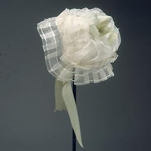 a silk gauze cap decorated with a green silk taffeta bow and ribbons, 1780-1785, National Museum of Denmark