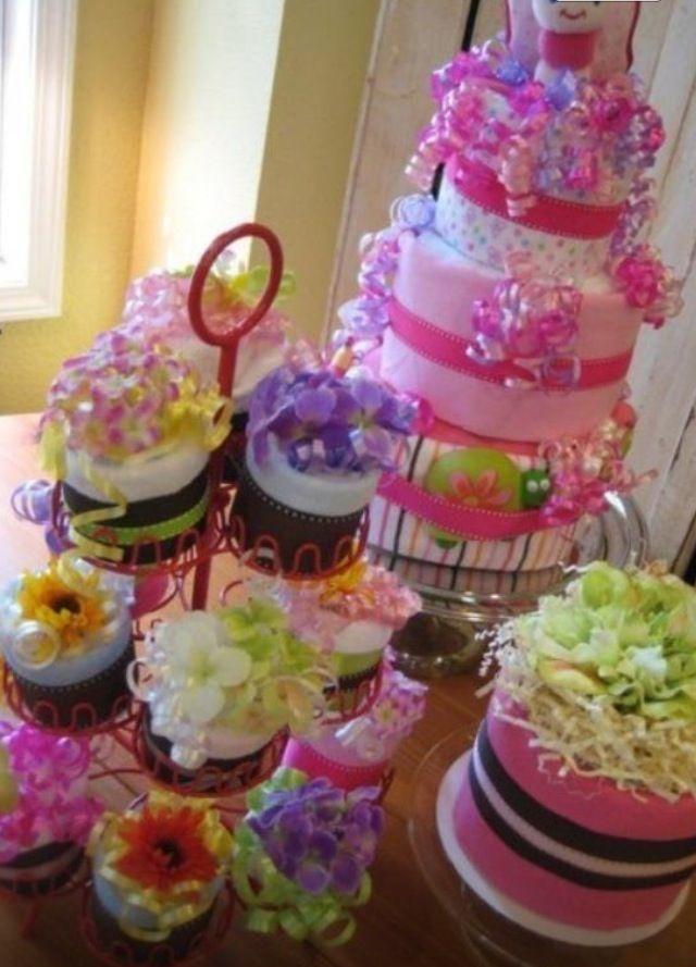 Pretty Diaper Cake & Cupcakes