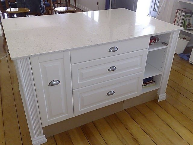 DIY kitchen island using IKEA cupboards I will be remodeling my kitchen soon and I NEED this!!!!