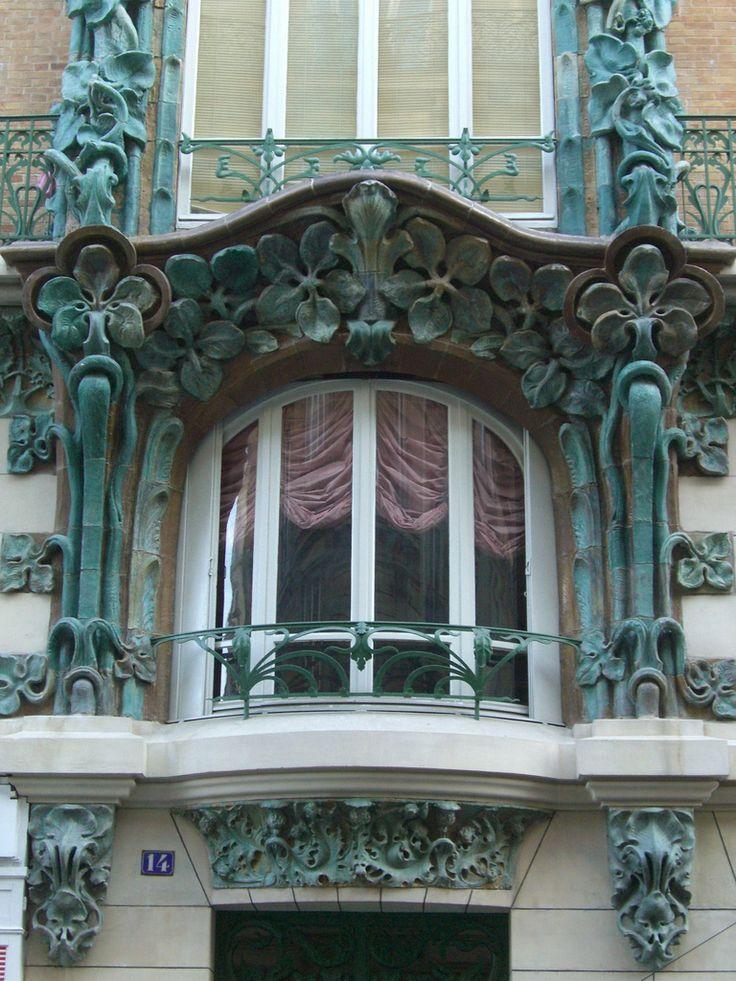 14 rue d'Abbeville (1901), Paris Xe | Architectes Alexandre et Edouard Autant. Céramiques Alexandre Bigot.